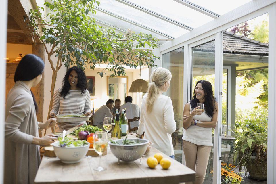 open house party etiquette tips. Black Bedroom Furniture Sets. Home Design Ideas