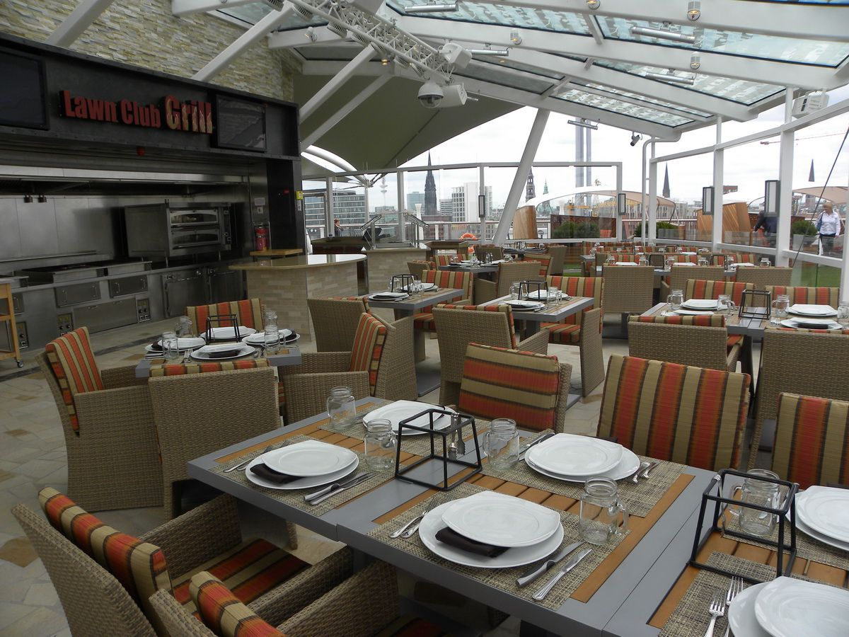 Celebrity cruises silhouette dining side