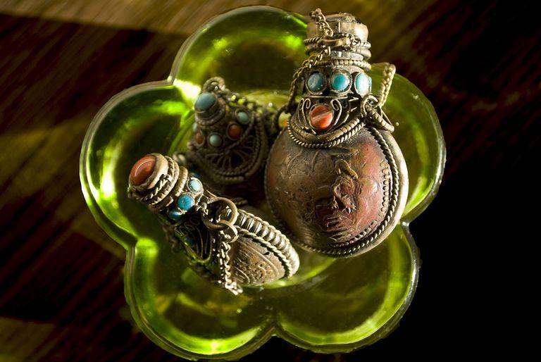 tibetan snuff vials