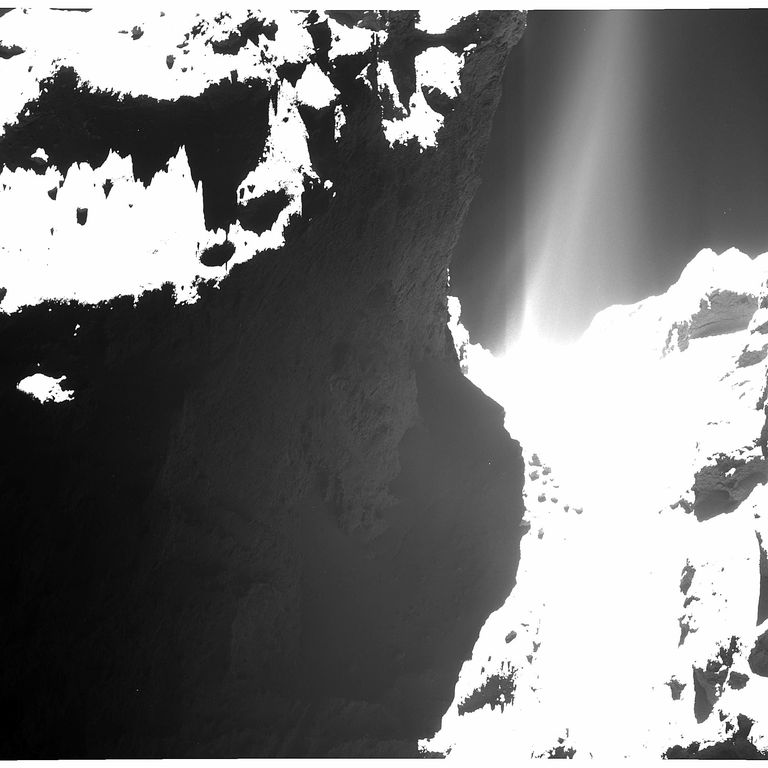 ESA_ROSETTA_OSIRIS_WAC_141020a.jpg