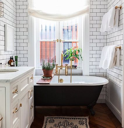 see 25 small bathrooms with good feng shui bathroom design tips - Bathroom Tiles For Small Bathrooms