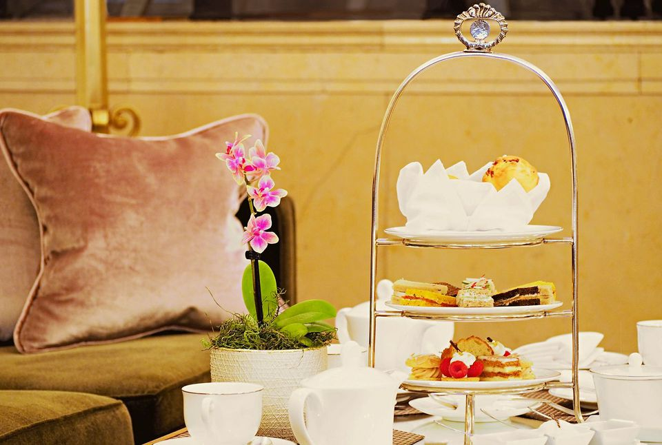 The Montreal team room scene includes the Ritz-Carlton's afternoon tea offerings.