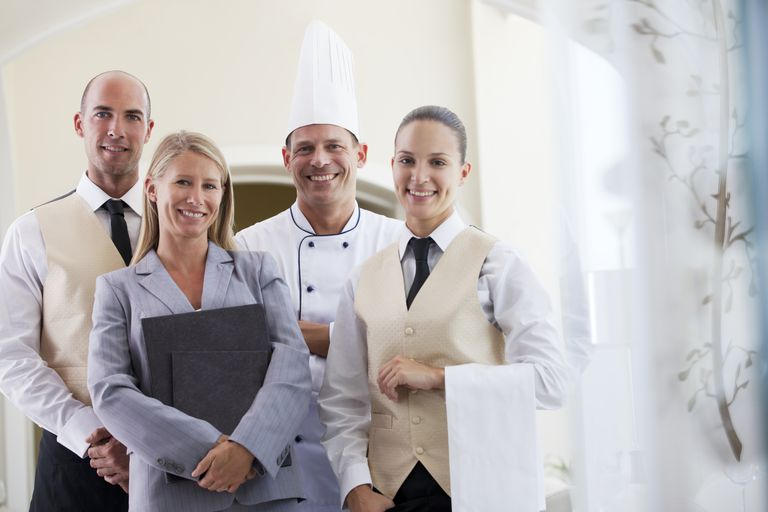 hotel_staff_164850548.jpg