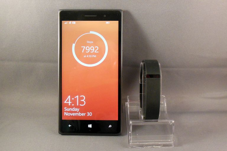 Nokia Lumia with Steps as Lock Screen and Fitbit Flex