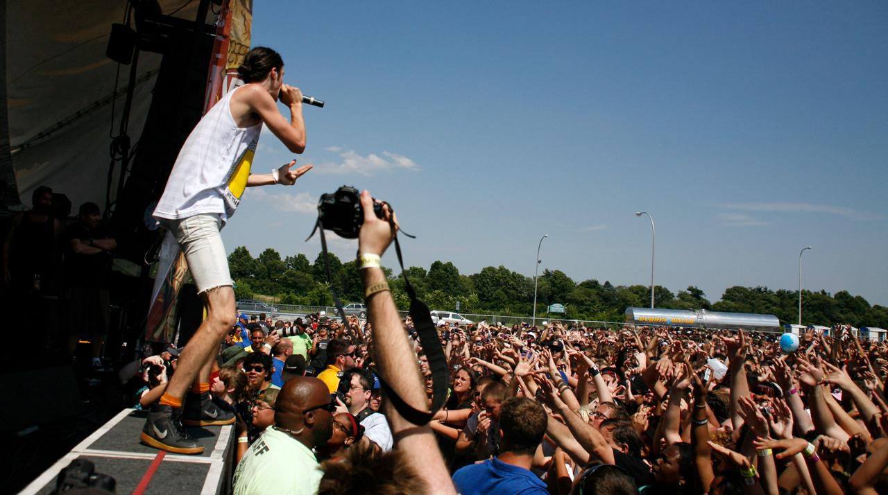 10 Essential Items You Should Take to Warped Tour