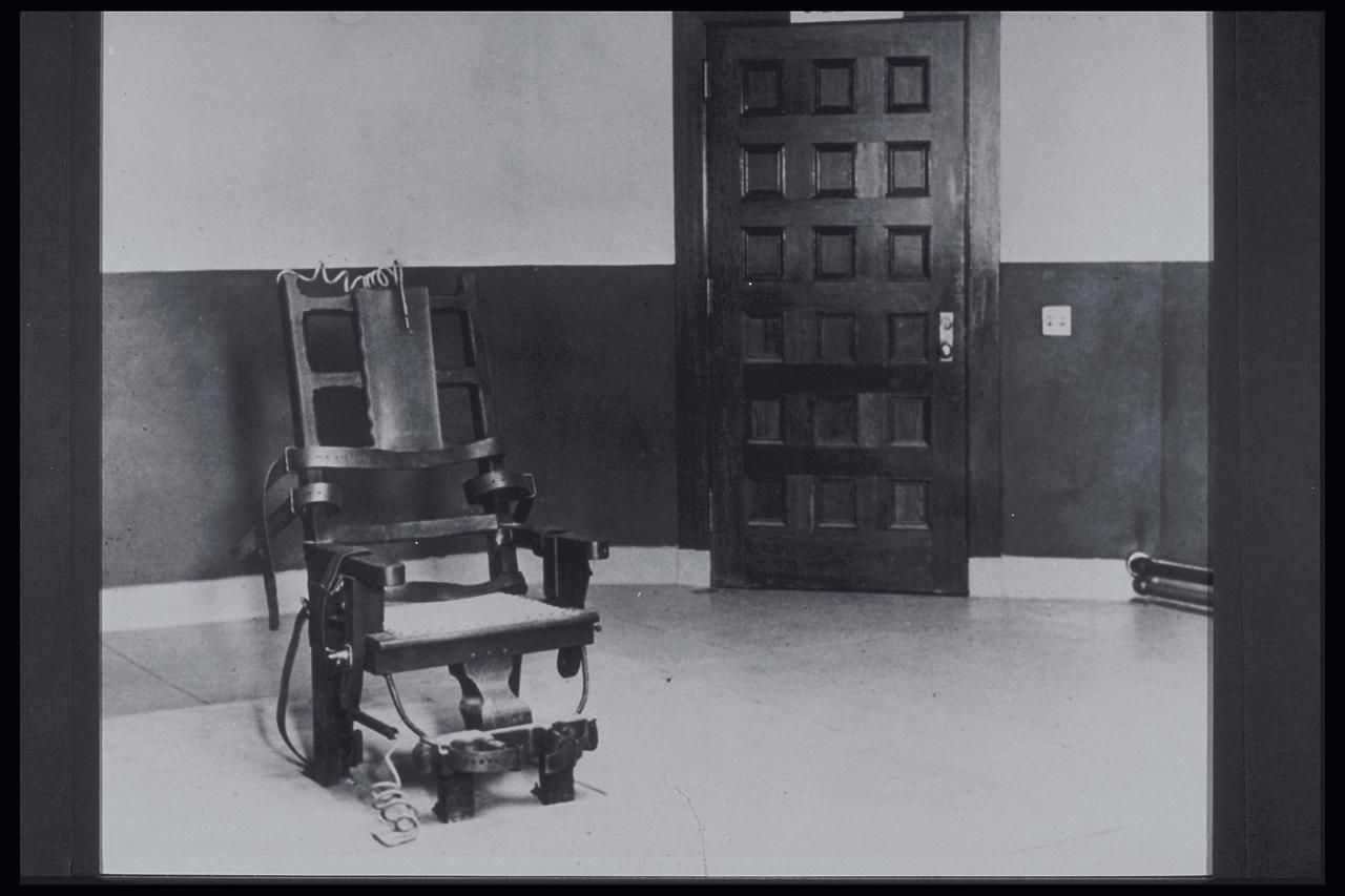 Electric chair chamber - The Evolution Of The Electric Chair