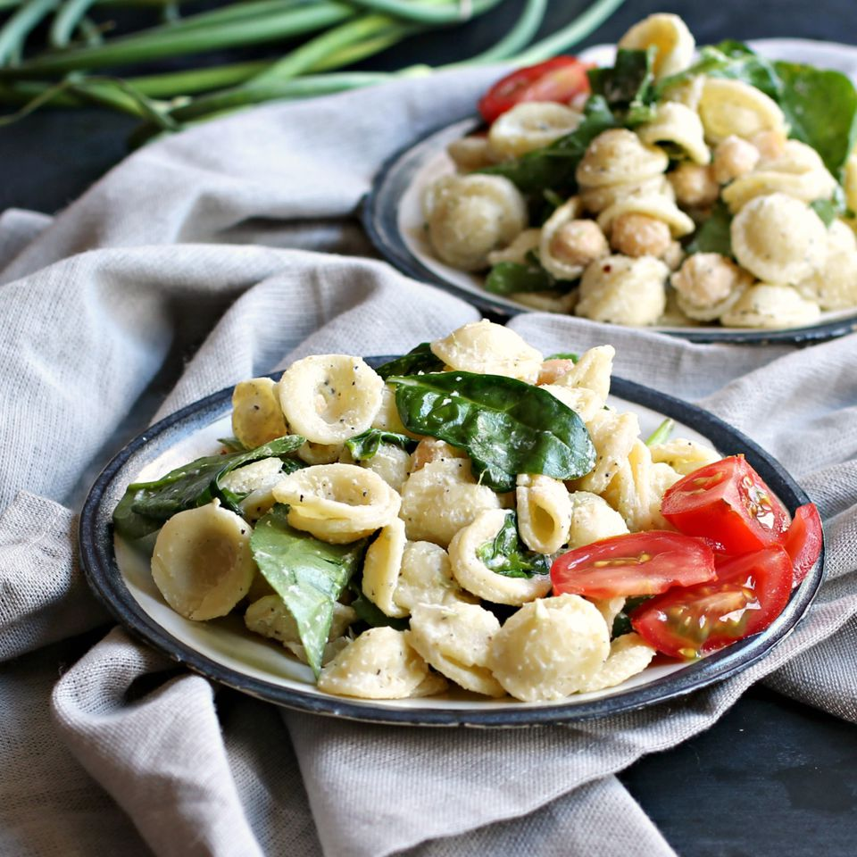 Pasta Salad with Spinach, Chickpeas and Tahini