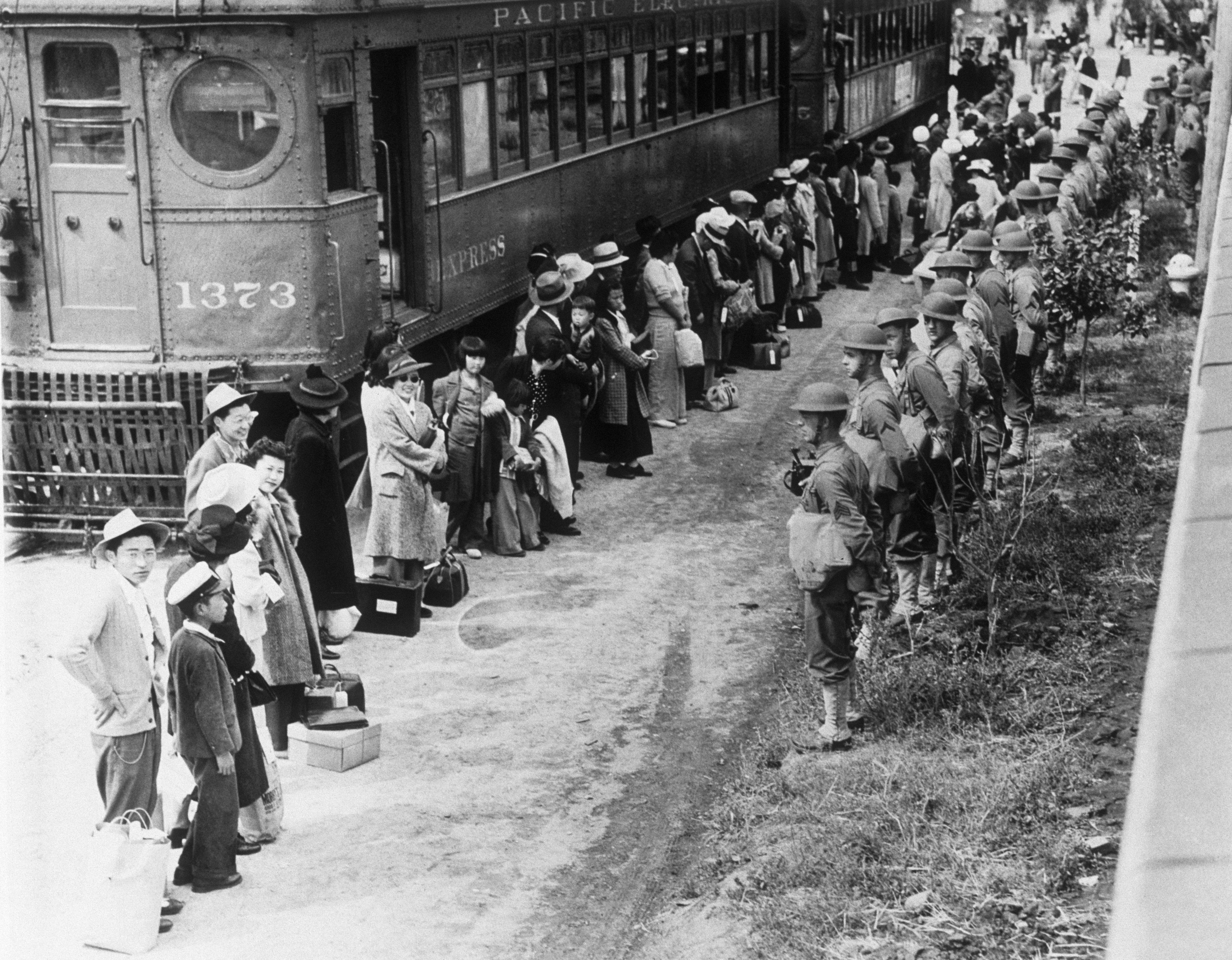japanese internment during world war 2 essay