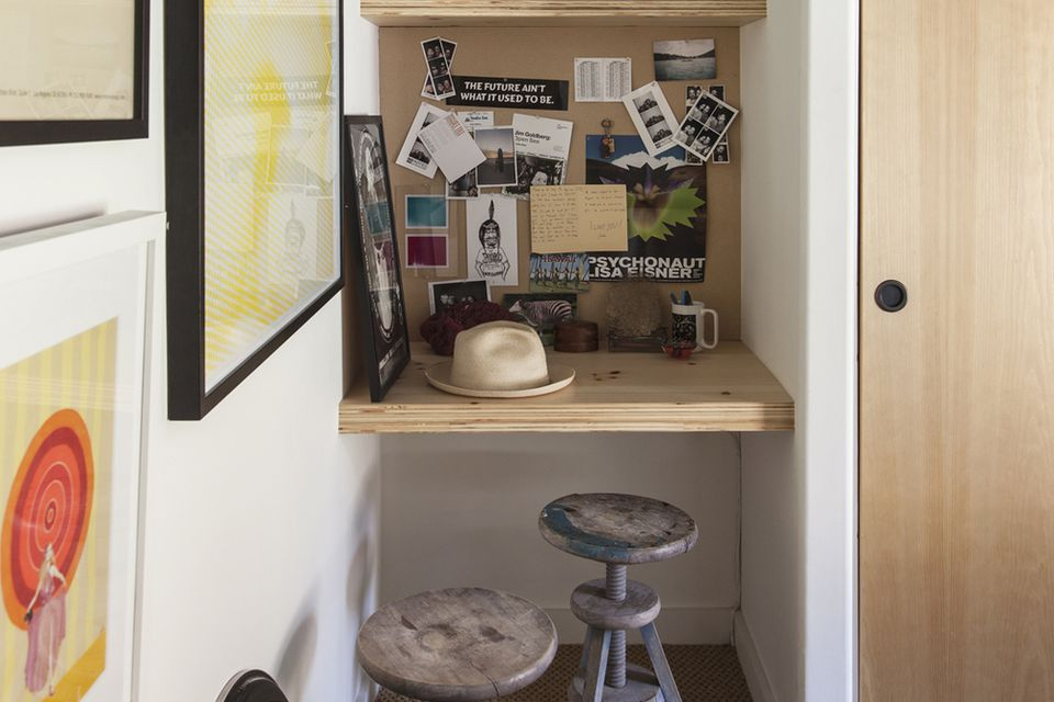 a home office. Turn A Tiny Hook Into Home Office