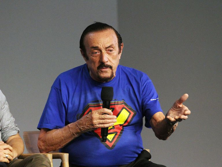 philip zimbardo and his contributions to Deindividuation: deindividuation, a  in the 1960s and '70s the american psychologist philip zimbardo investigated the variables that lead to deindividuation and the behaviours that result from it  you can make it easier for us to review and, hopefully, publish your contribution by keeping a few points in mind.