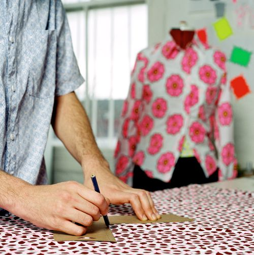 How to Set Up a Fabric Cutting Table