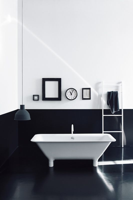 black and white bathroom 5