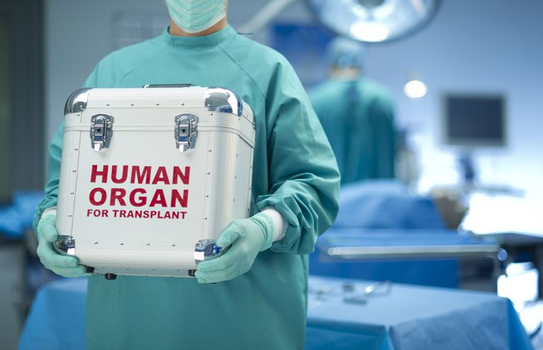 Surgeon with organ donation