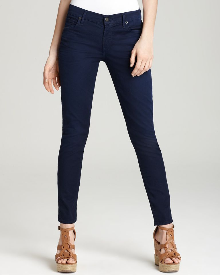 The Best Jeans Brands to Wear if You Have Big Thighs