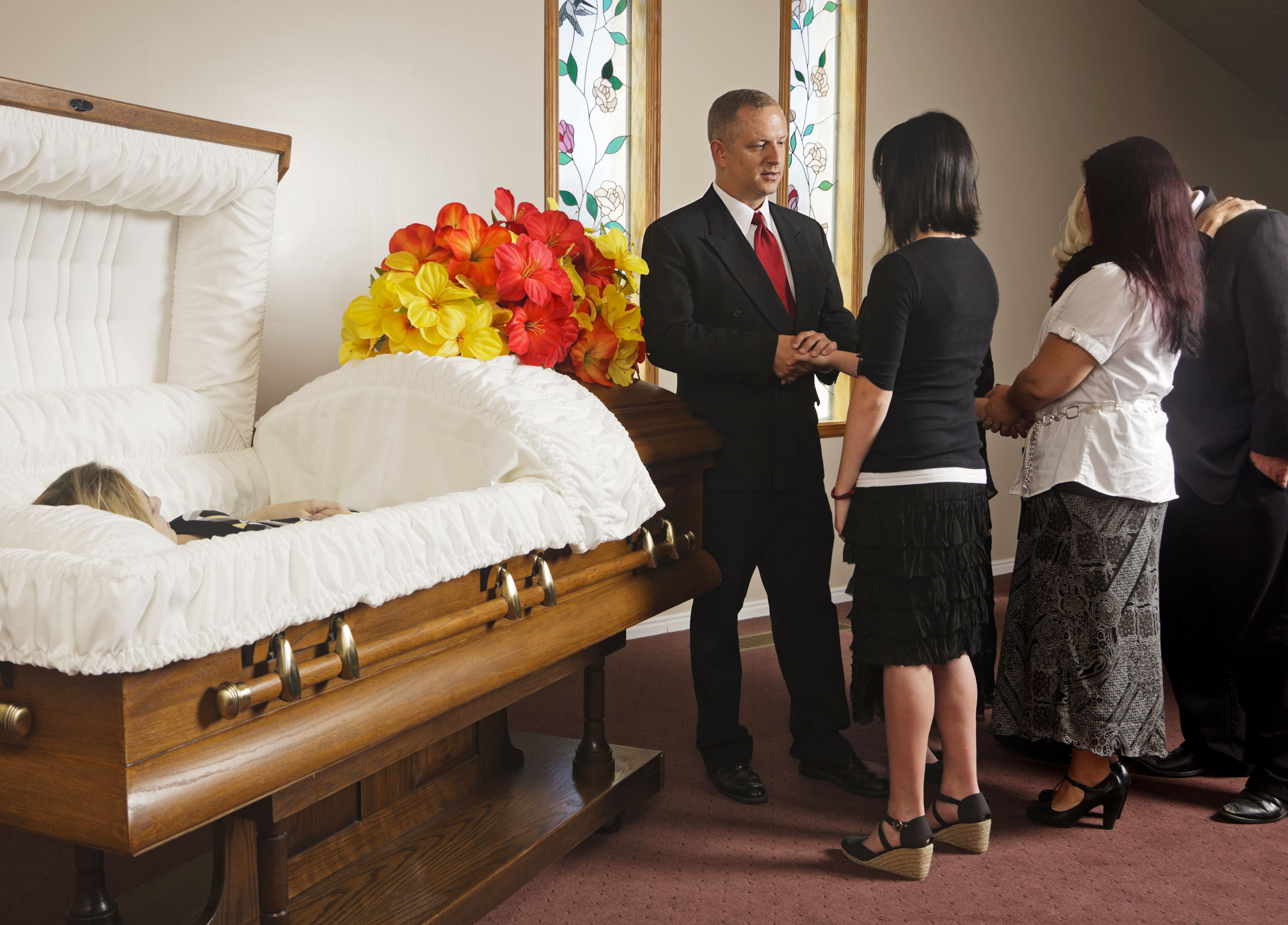 Wake Vs  Visitation In A Funeral Service
