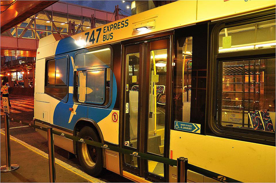 The Montréal 747 Express Bus