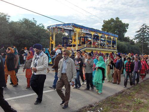 Yuba City Sikh Parade Guru Gadee Float and Sangat