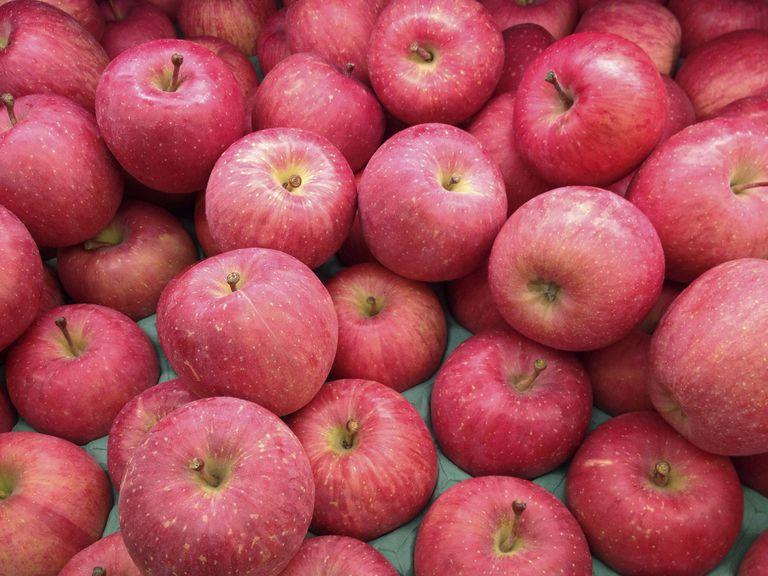apple food. digipub/getty images apple food
