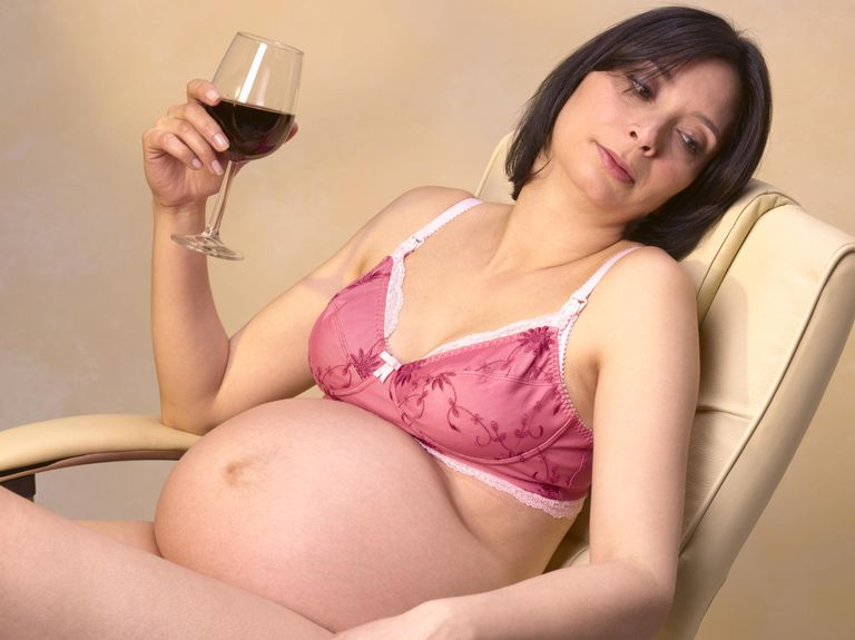 Drinking alcohol pregnant