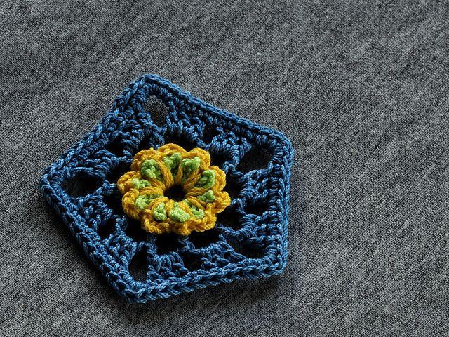 Flower Crochet Pentagon Free Pattern