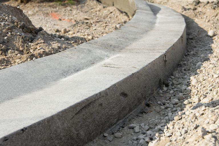 concrete curb construction