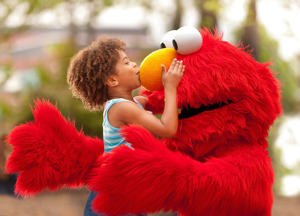 Elmo-Kiss_1200Px.jpg