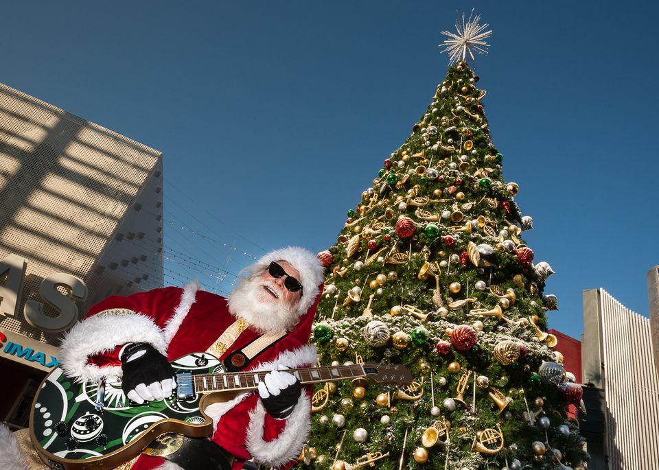 Rock 'n Roll Santa at Universal CityWalk