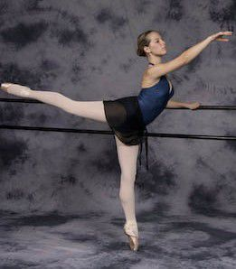 what is the definition of arabesque in ballet