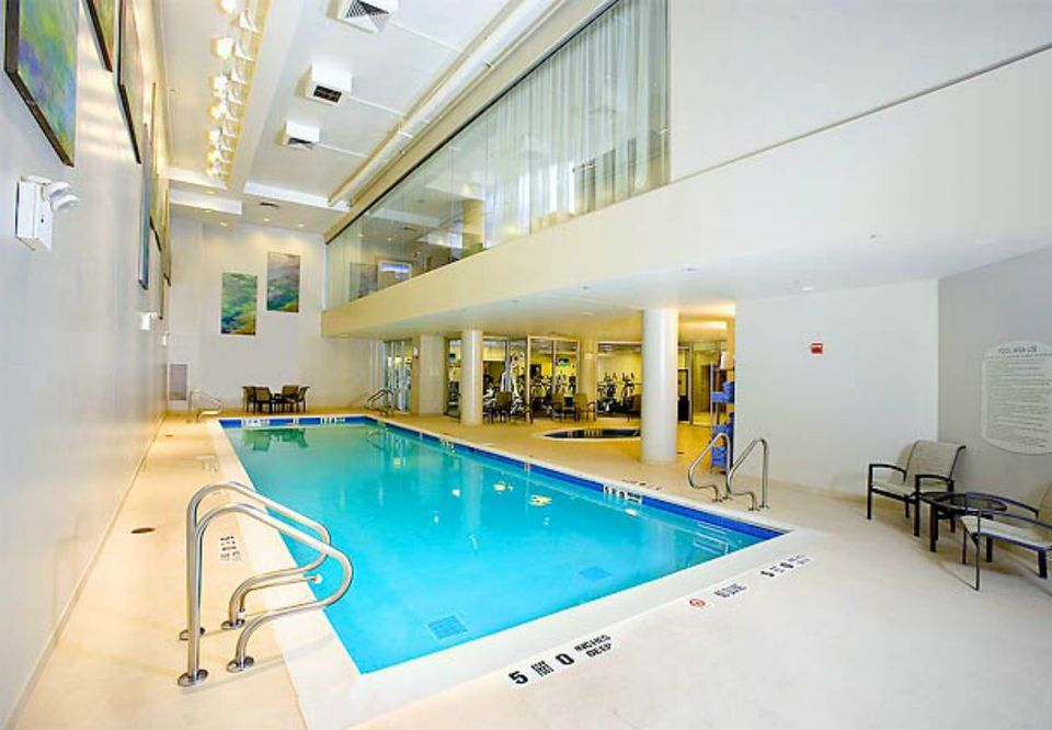 Best New York City Hotels With Swimming Pools