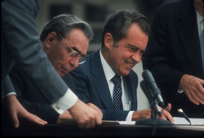 Bretton woods monetary system and agreement how nixon destroyed the dollar platinumwayz