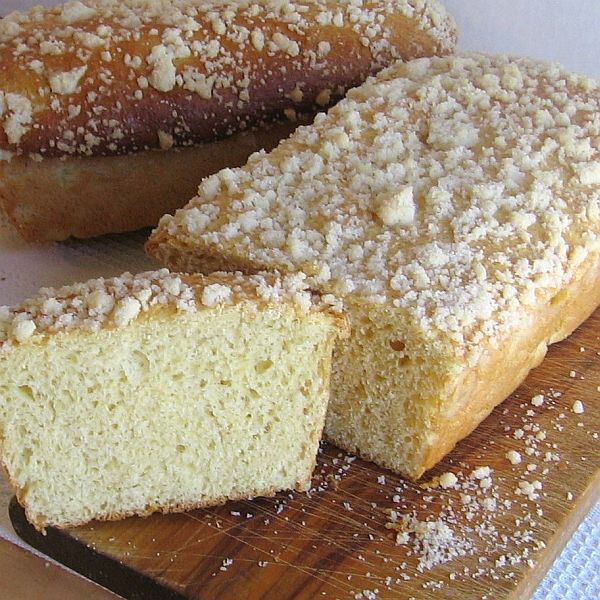 Grandmother's Coffee Cake with Crumbs
