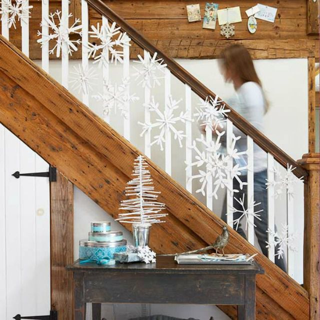 Decorate The Stairs For Christmas: How To Decorate A Staircase Railing For Christmas