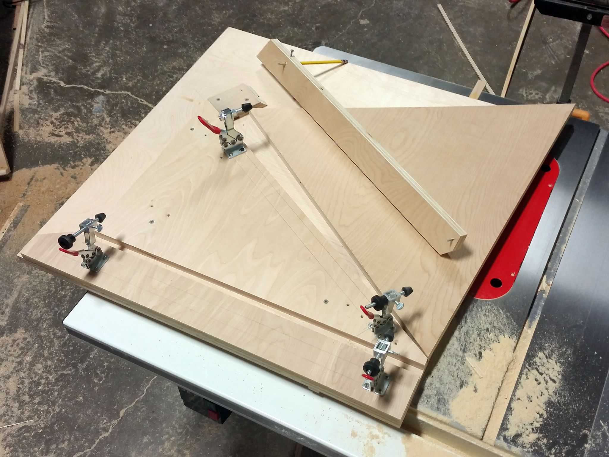 How to get the most out of your table saw how to build your own woodworking jigs keyboard keysfo Images