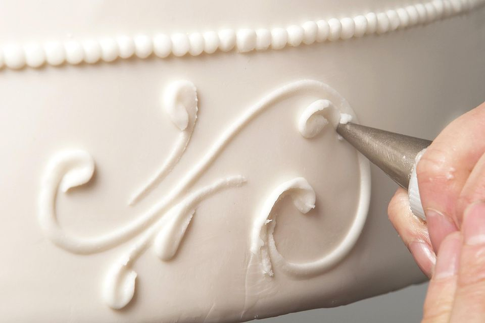 recipe: royal icing recipe for piping on fondant [4]