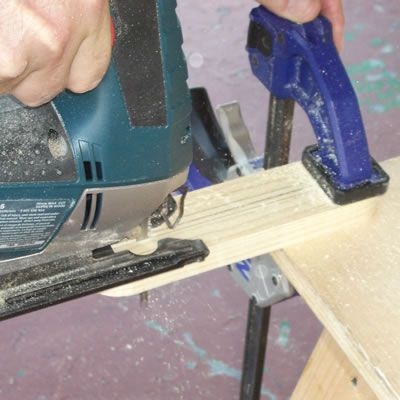 Cutting the Slot in the Spreader Bracket