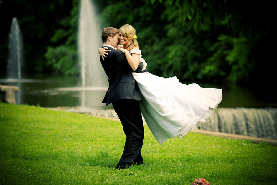 Best Bride and Groom Happy Wedding Dress