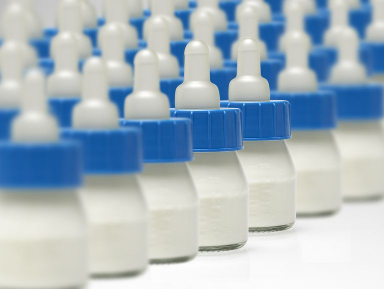 Feeding bottles in rows How to Handle an Oversupply of Breast Milk