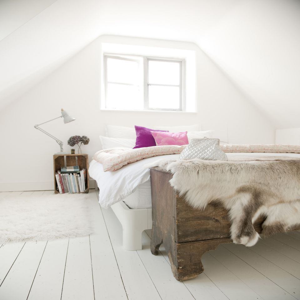 Modern Shabby Chic Bedroom: Photos And Tips For Decorating A Shabby Chic Bedroom