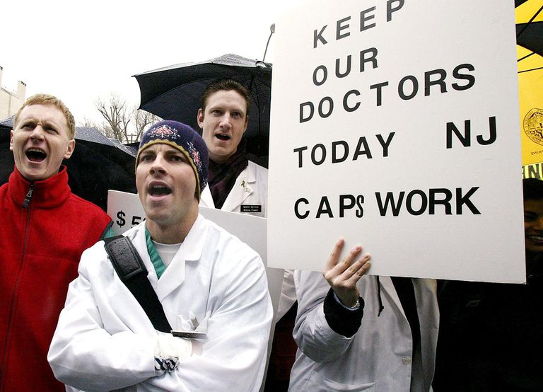 New Jersey Doctors Protest Skyrocketing Malpractice Insurance