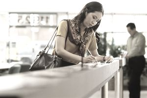 What To Look For When Opening a Savings Account at a Bank
