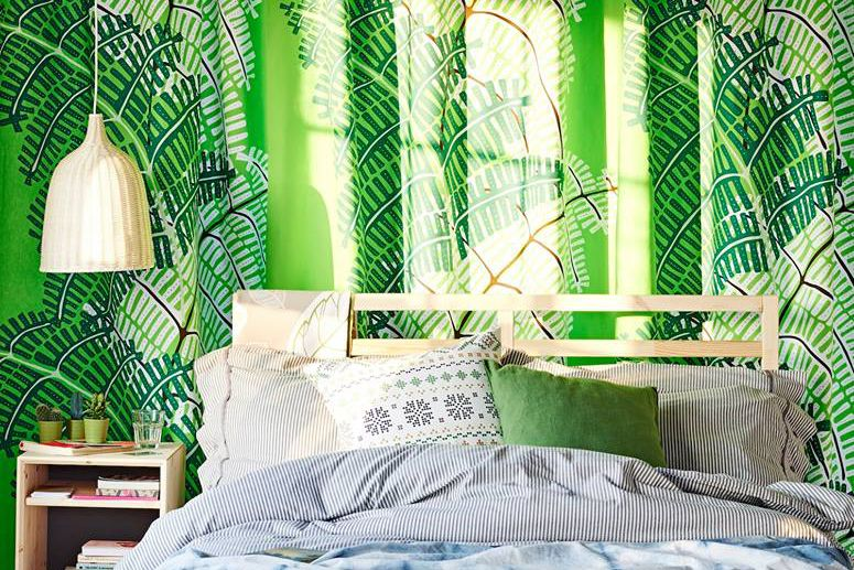 Cover Your Walls In Fabric : Cheap stylish and easy ways to spruce up walls without