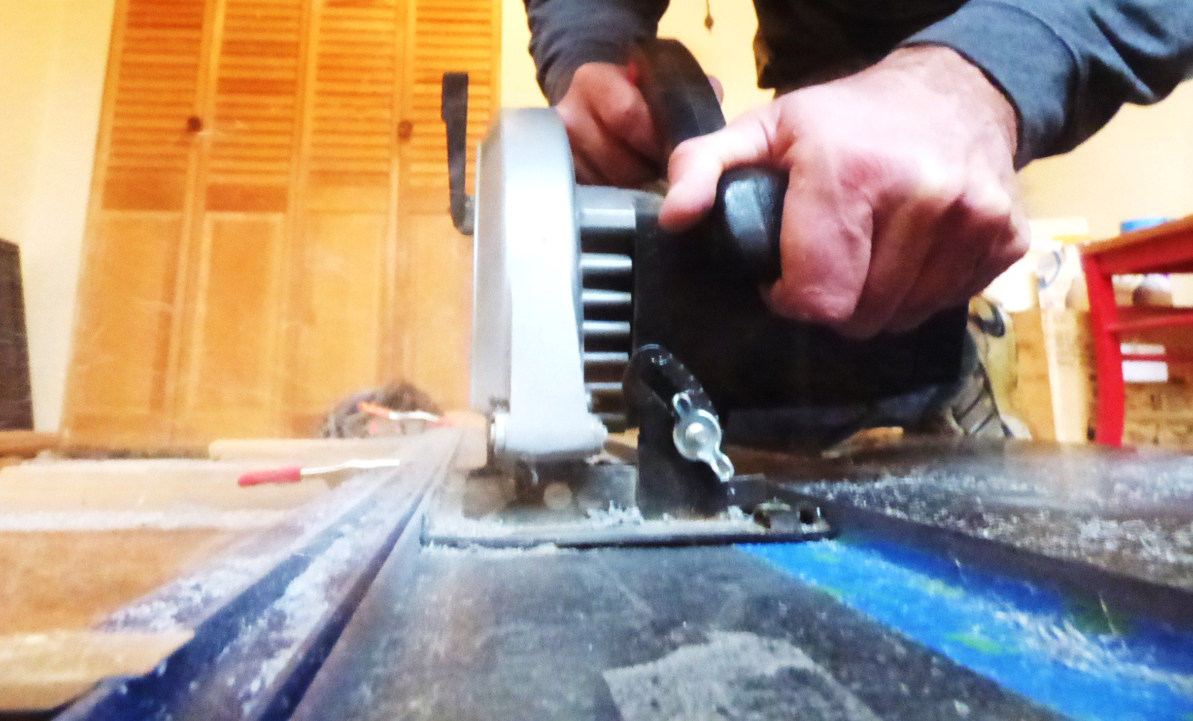 5 best tools for cutting ceramic tile how to cut corian with simple tools kitchen floor tile dailygadgetfo Images