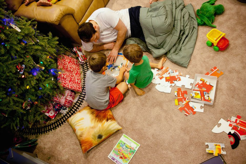 Get into the holiday spirit with these kids games