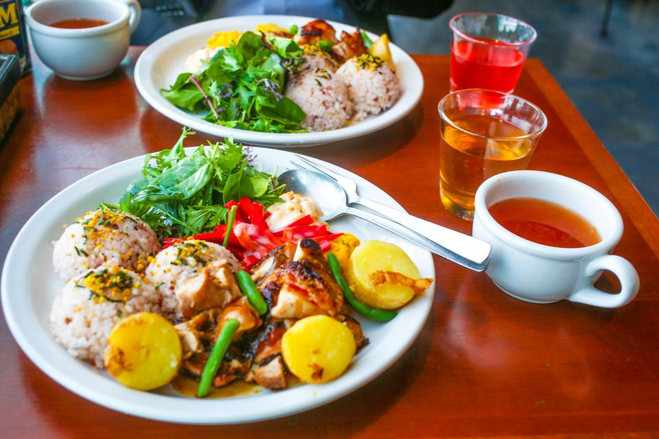 Hawaiian style lunch plate for two
