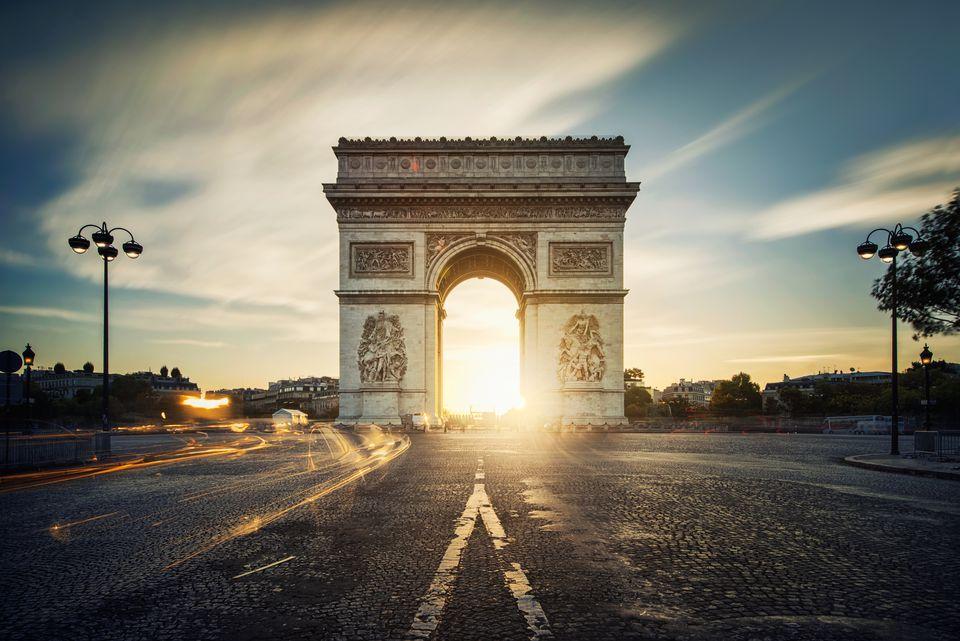 Arc de Triomphe sunrise