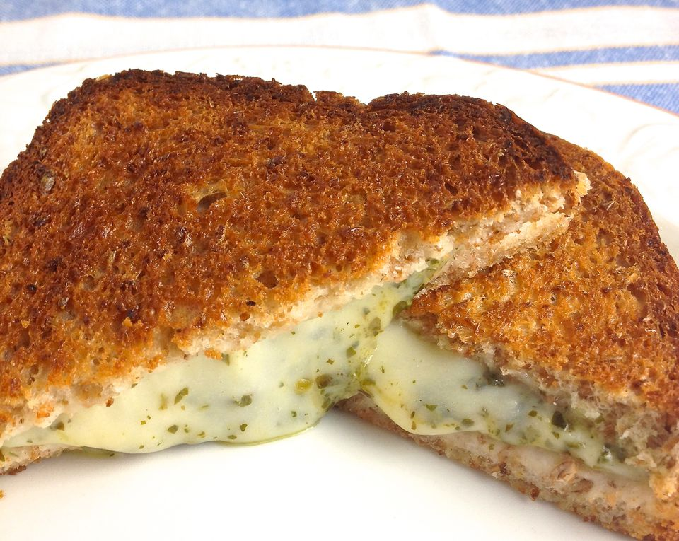 Baked-Grilled-Cheese-Pesto-Sandwiches.jpg