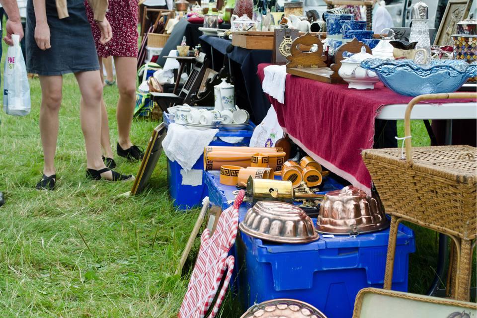 antique and vintage flea market merchandise