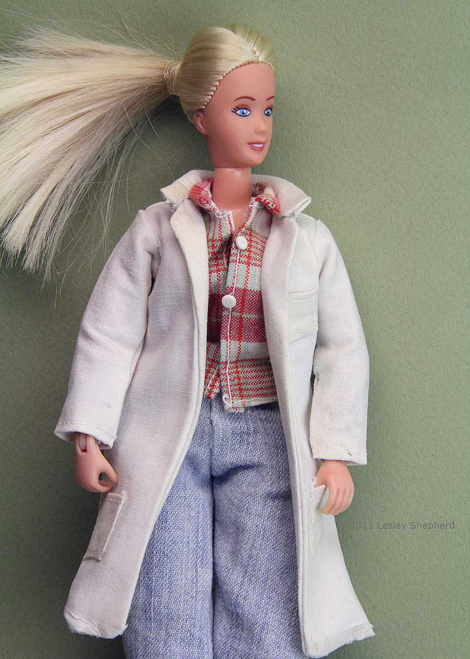 Lab coat for a doll