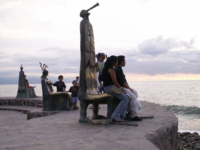 Alejandro Colunga's Rotunda of the Sea, Puerto Vallarta Malecon