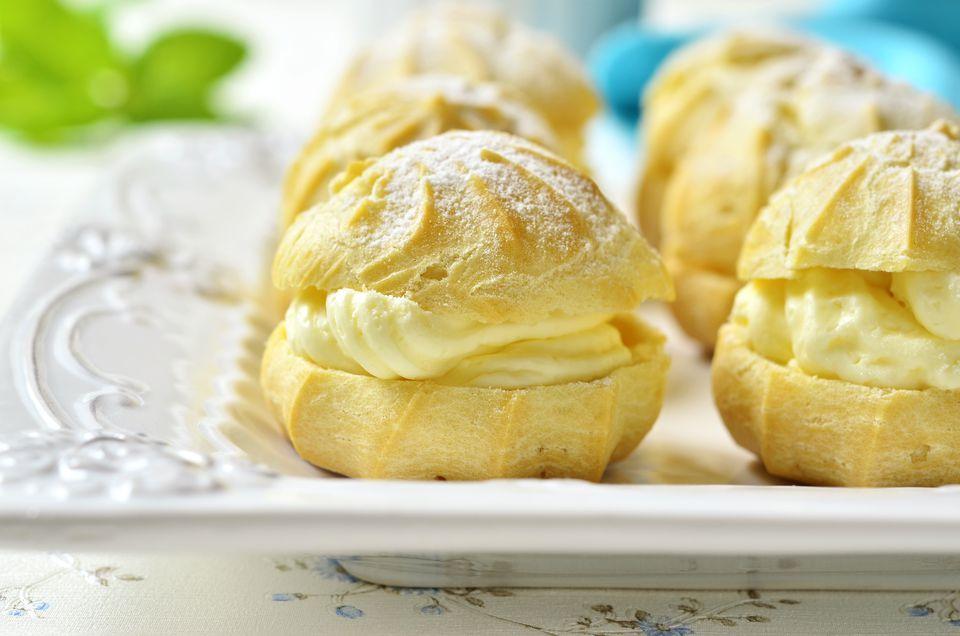 Profiteroles with pastry cream